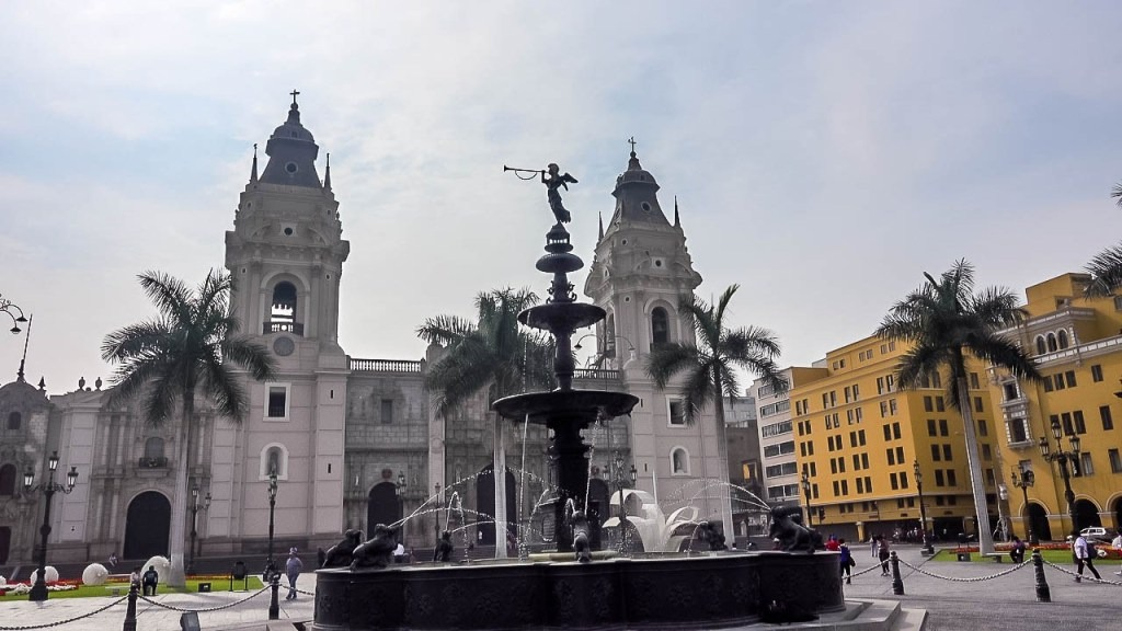 cheap rated hotel in Lima